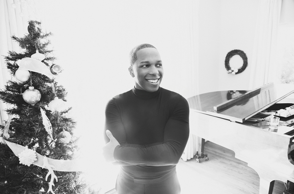 Leslie Odom Jr. - Winter Song